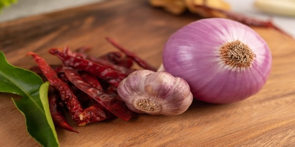 All-in-one insecticide - garlic, onion, and cayenne peppers