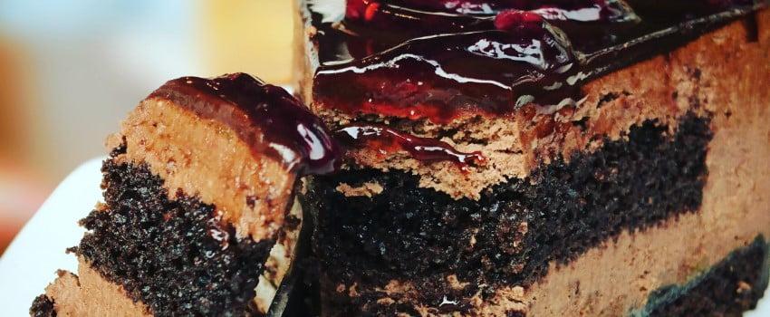 Black Domina Strain & Chocolate Cake