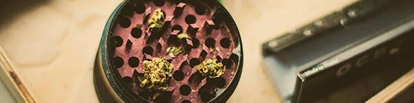 how to clean my weed grinder