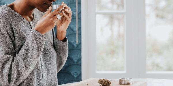 smelling-marijuana-strain
